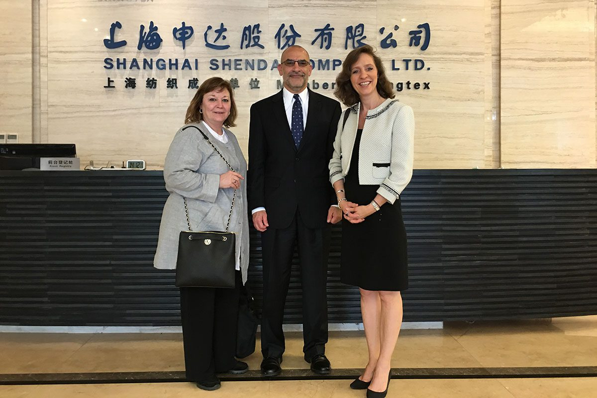 WorldChicago Staff Donna Sadlicki and Peggy Parfenoff in Shanghai for the Management Fellows Program